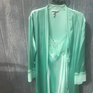 Delicates Nightgown and Robe Set